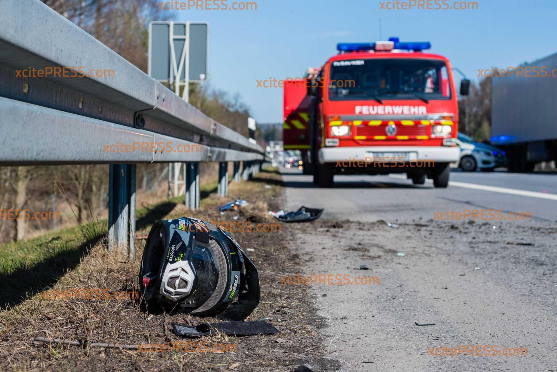 Schwere Unfälle auf der A4 bei Ohorn - Gaffer behindern den Verkehr: Motorradunfall sorgt für Stau - mehrere Unfälle im Gegenverkehr