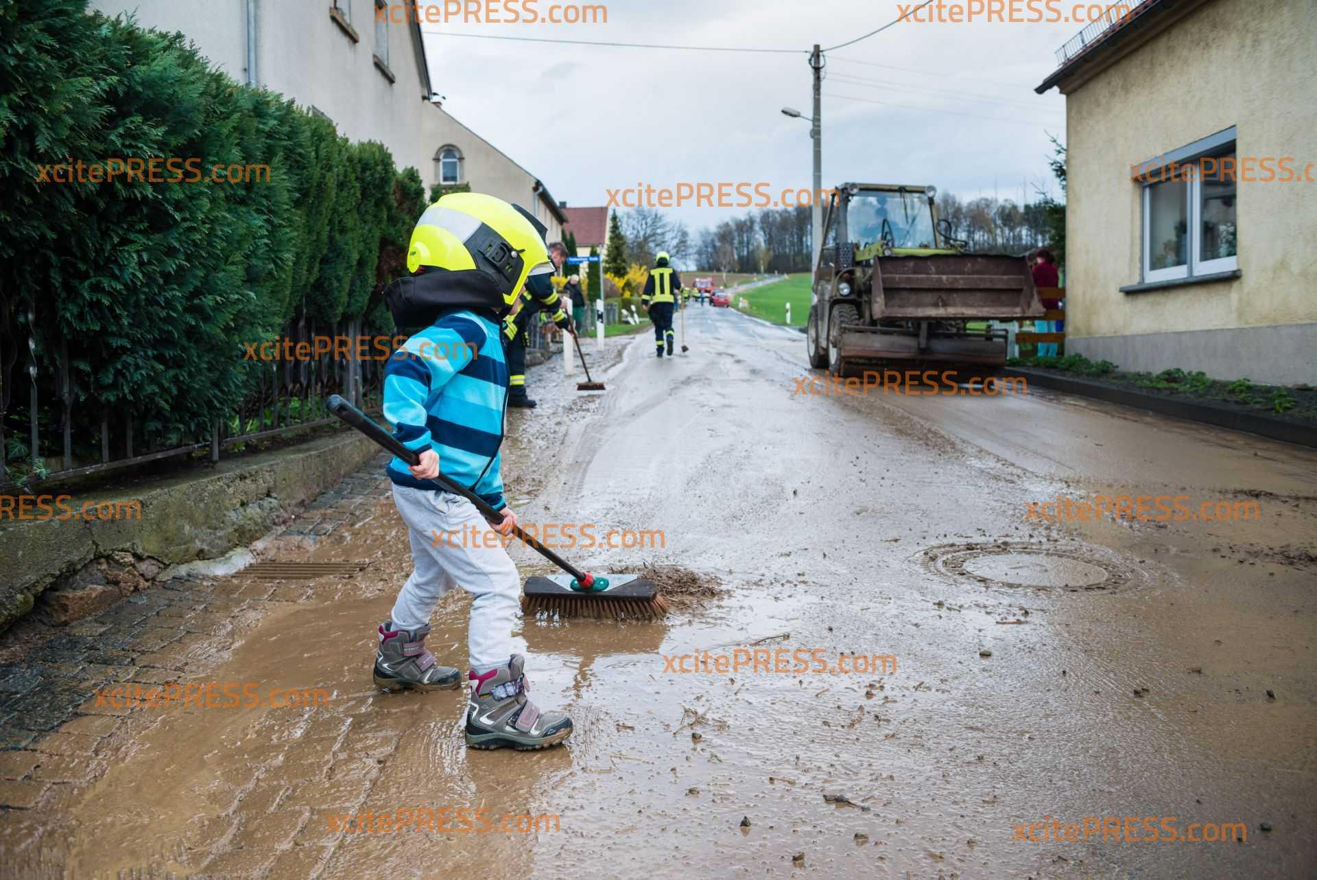 Kurzes Unwetter über Ostsachsen: Schlammlawine sorgt für Feuerwehreinsatz