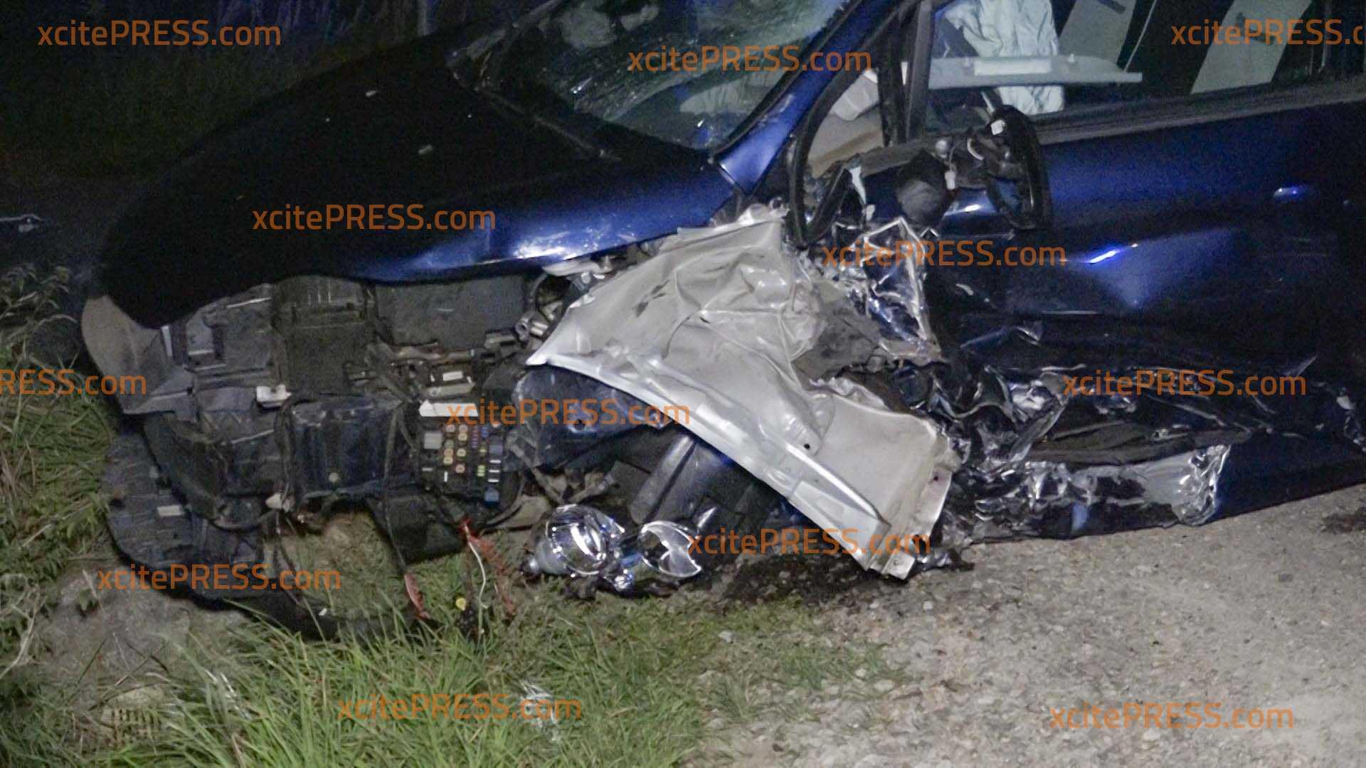 Crash am Autobahnzubringer: 2 Verletzte: Auffahrt zu Rettungs- und Bergungsmaßnahmen gesperrt