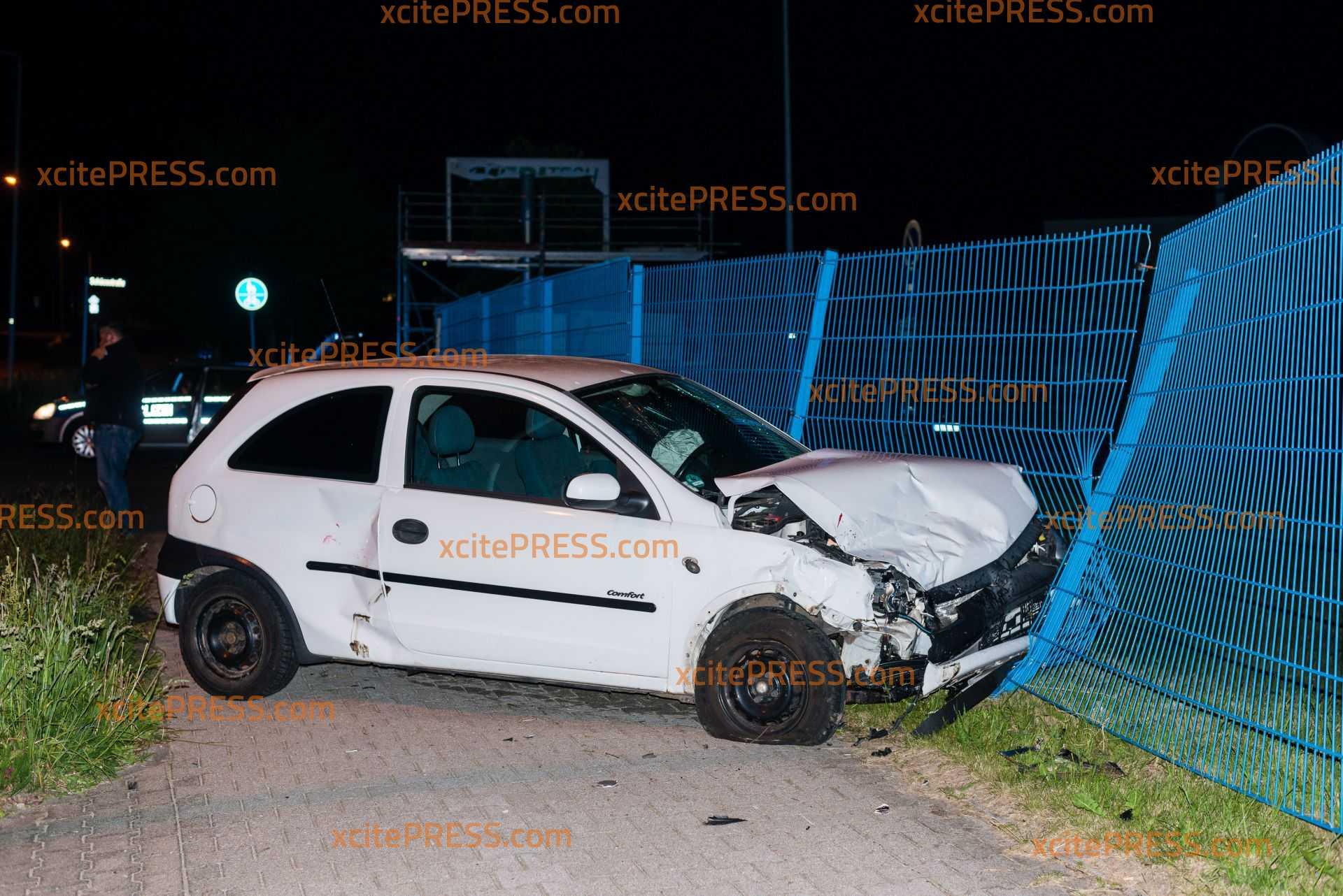 Unfall im Gewerbegebiet: Autos krachen an Kreuzung zusammen