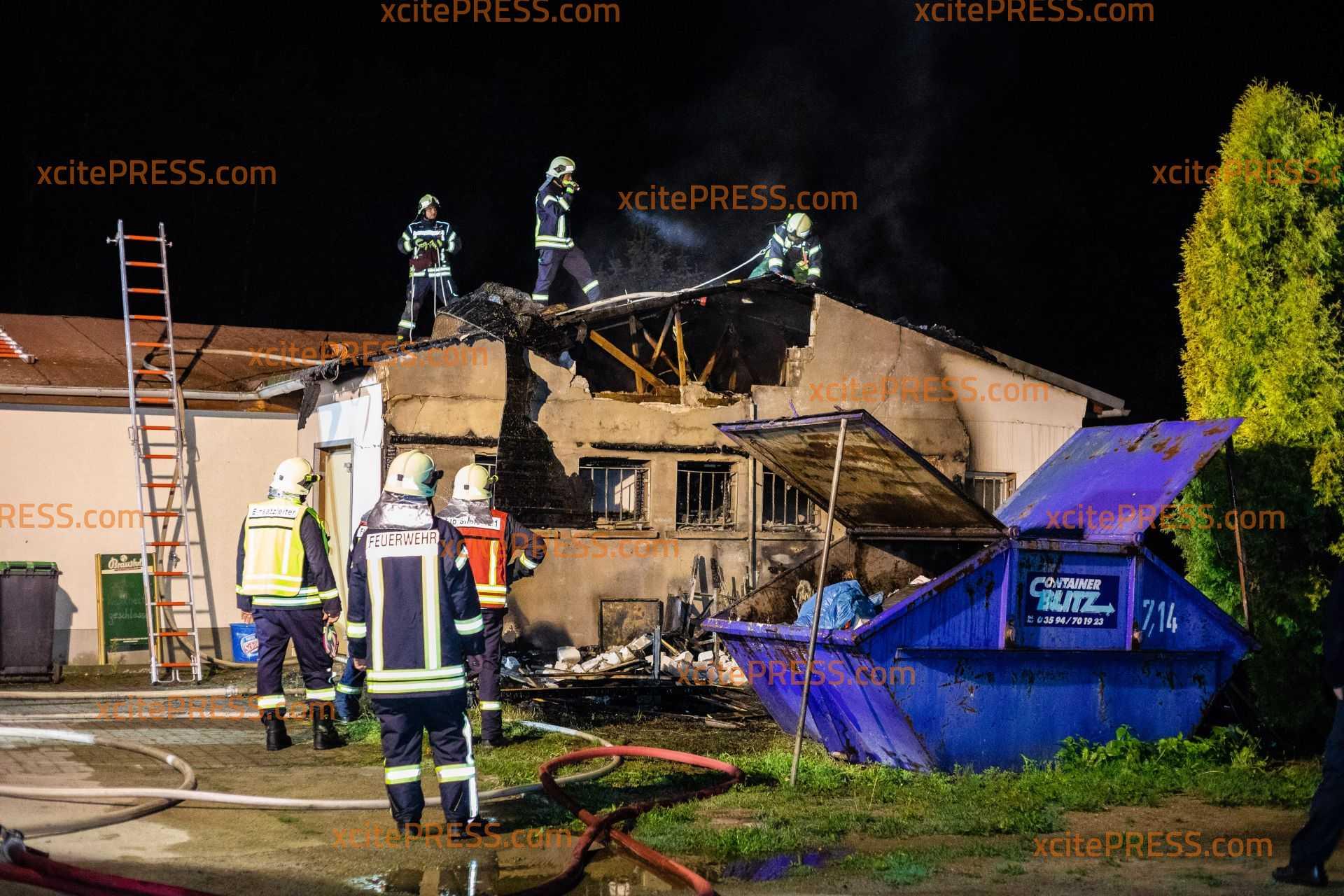 Feuer an Schmöllner Freibad-Gaststätte: Gebäude wird erheblich beschädigt