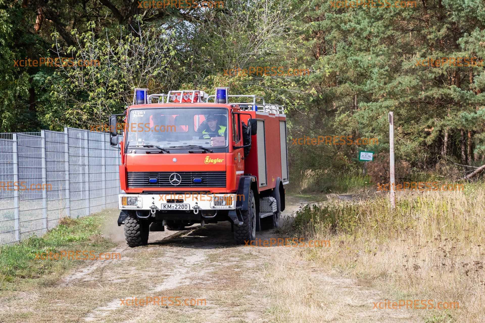 Waldbrand bei Schwepnitz beschäftigt die Feuerwehr noch immer: Bis zu 250 Hektar Wald vom Brand betroffen
