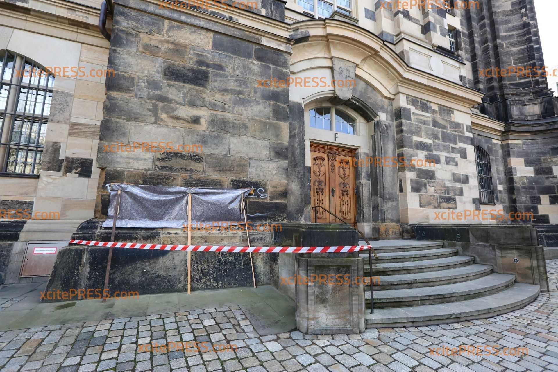 Frauenkirche mit Graffiti beschmiert: Zeugen gesucht: 1000 Euro Schaden