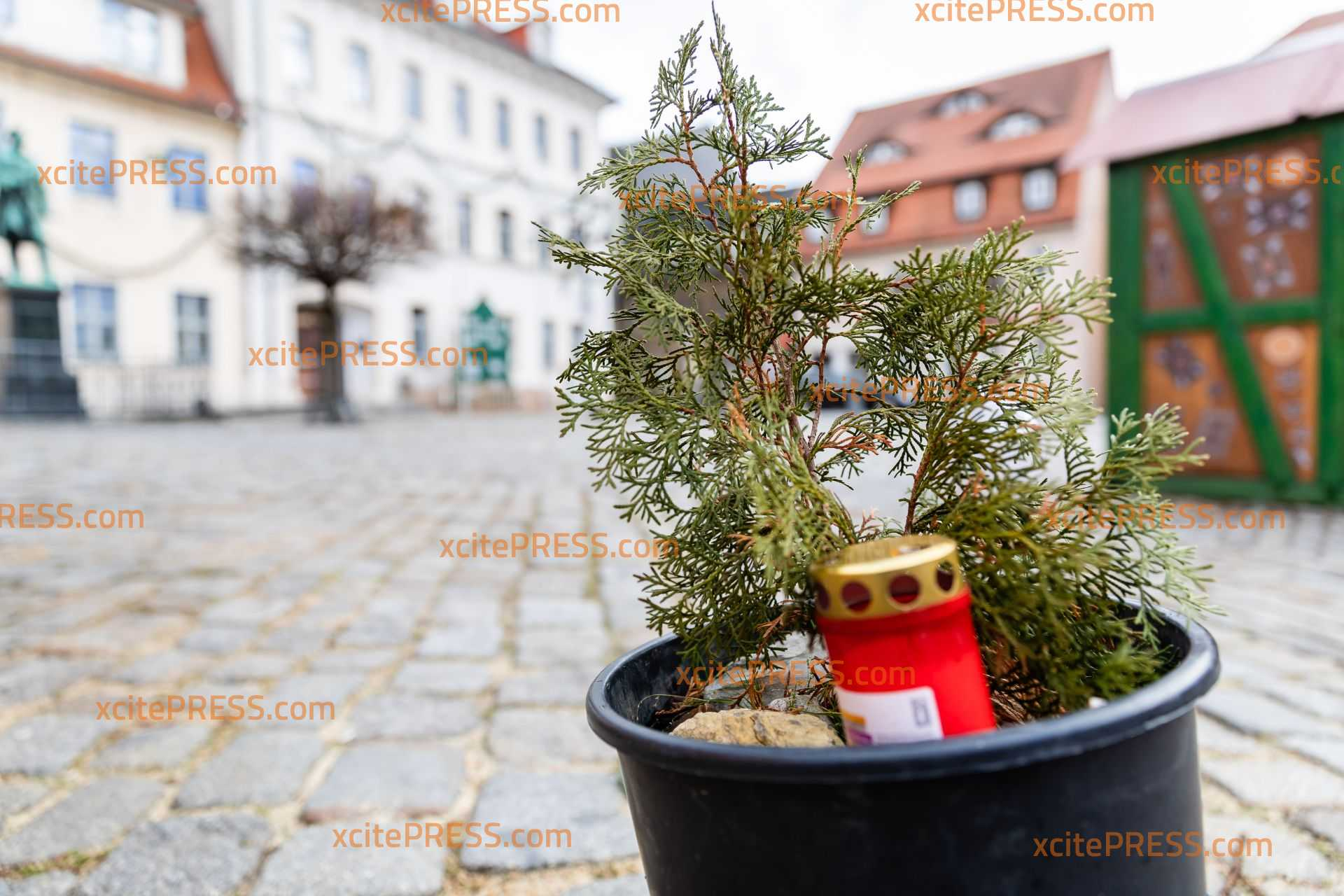 Sturm lässt Pulsnitzer Weihnachtsbaum umkippen: