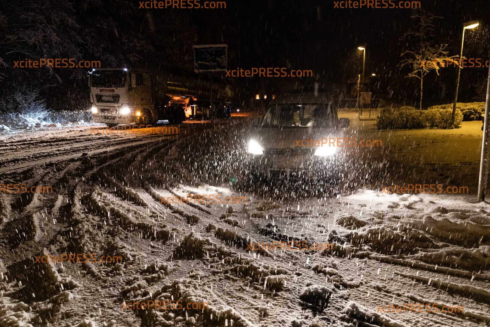 Heftiges Schneetreiben macht Probleme in der Lausitz: Schweres Vorankommen für Verkehrsteilnehmer