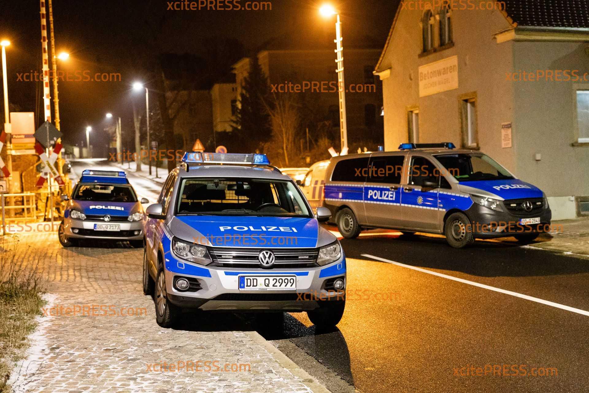 Auffälliges Auto steht beleuchtet auf Grundstück: Aufmerksame Bürger übergeben Slowaken der Polizei