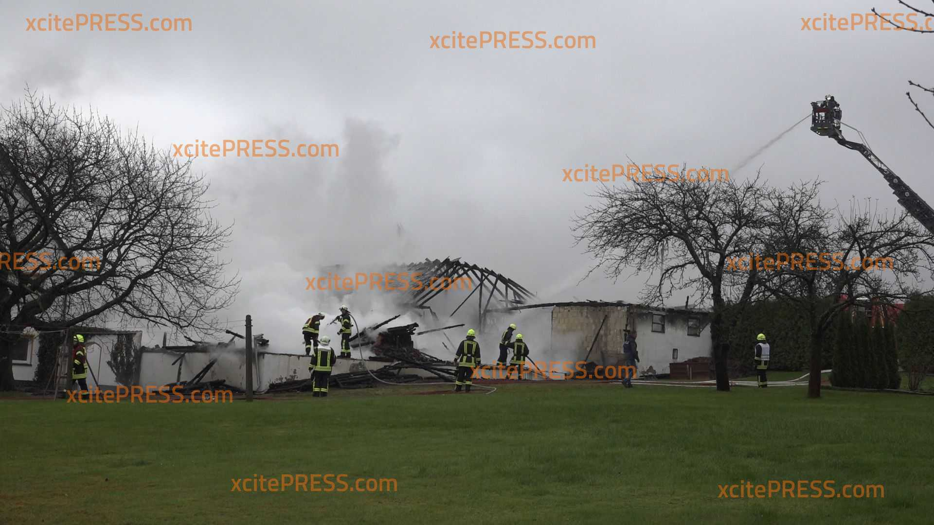 Großbrand vernichtet Scheune: Brandstiftung möglich