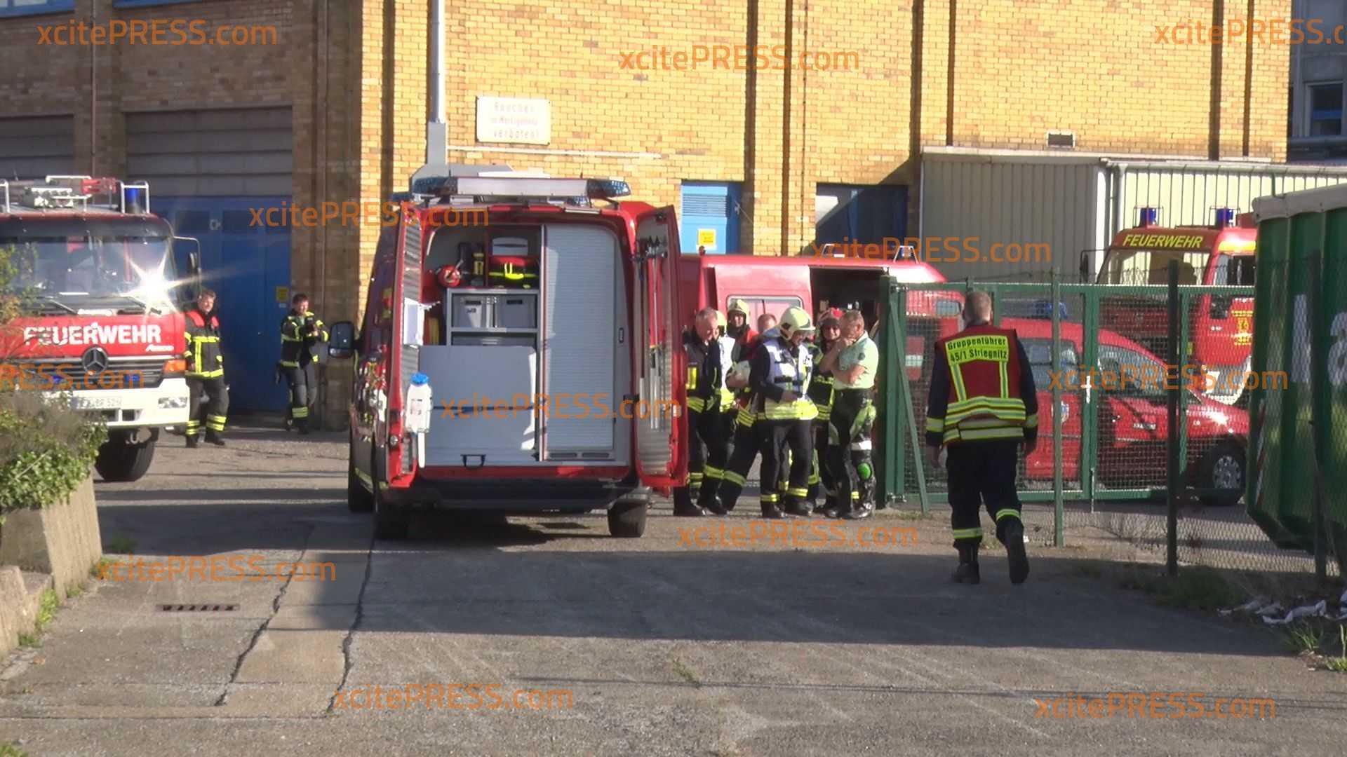 Feuerwehreinsatz bei Pharmaunternehmen: Offenbar unbekannter Stoff ausgetreten