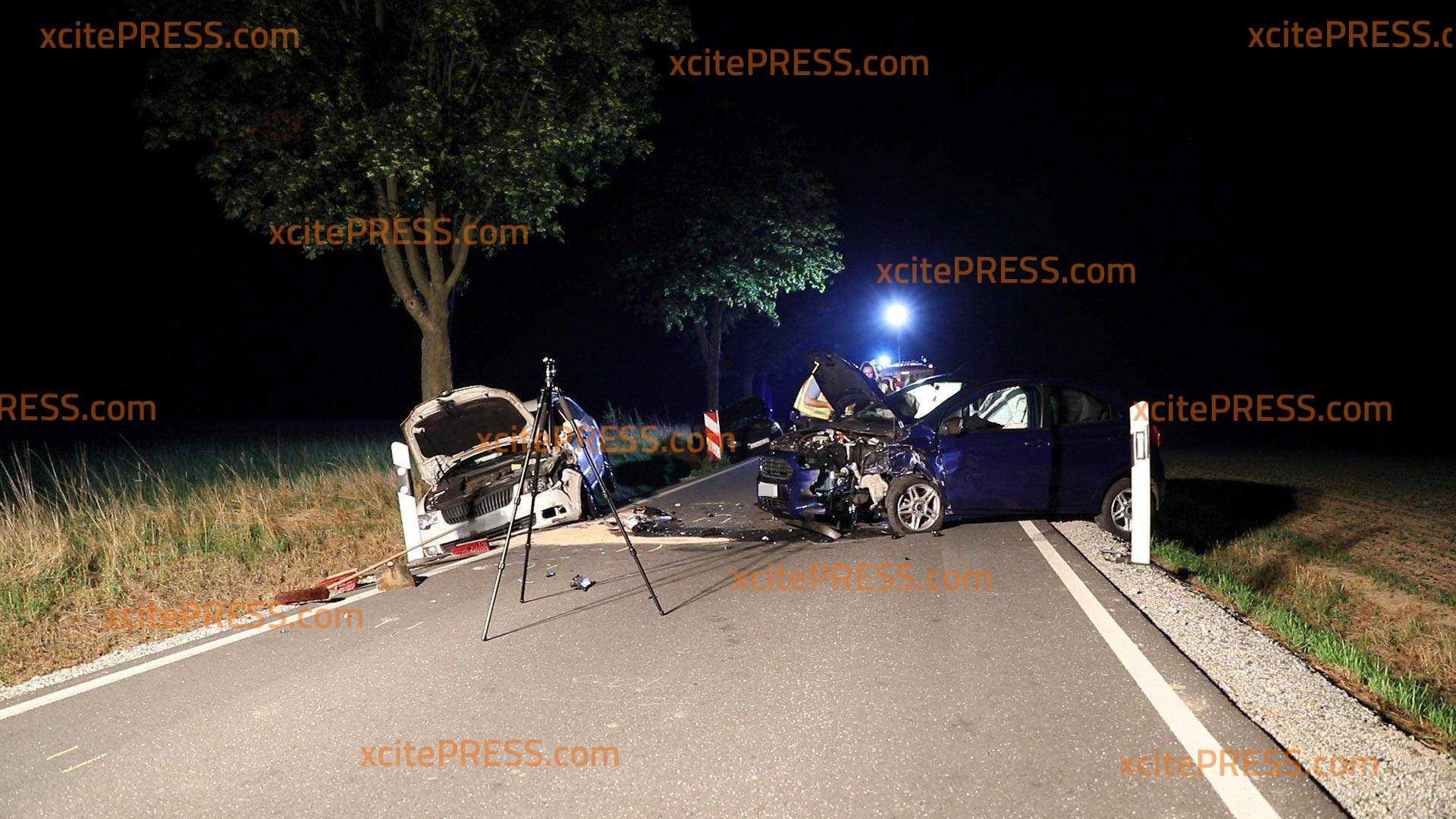 Unfall mit drei Fahrzeugen: Sieben Personen, darunter Kinder und eine Schwangere verletzt