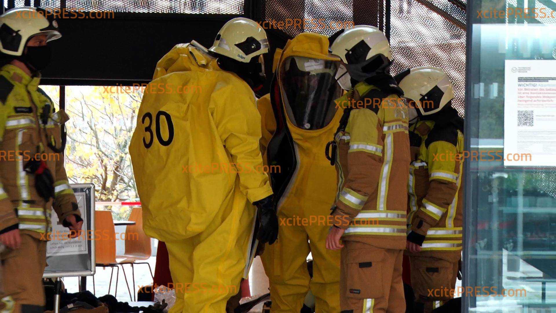 Säure ausgetreten: Großeinsatz für Feuerwehr am B-CUBE Center for Molecular Bioengineering: Eine weibliche Person verletzt