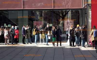 Längerer Lockdown?! Gespaltene Meinungen in Sachsen wegen neuem Corona-Gipfel: Umfrage auf belieber Einkaufsmeile