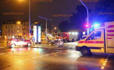 Pizzalieferant in Unfall verwickelt: Vier Verletzte nach Kreuzungscrash